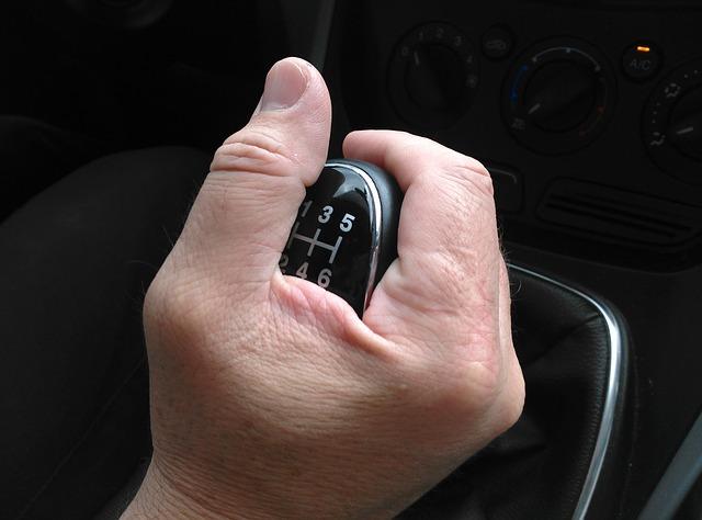 nauka jazdy - manualna skrzynia begów